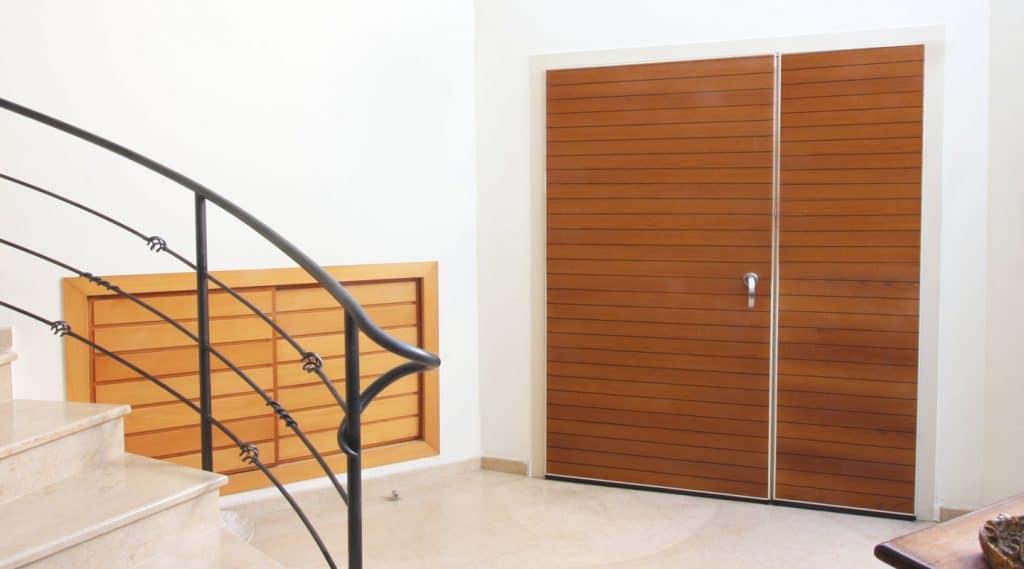 דלת חוץ הרמטיקס עם חיפוי פורניר עץ אלון