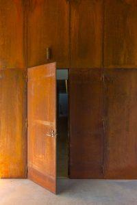 דלת קו אפס ייחודית