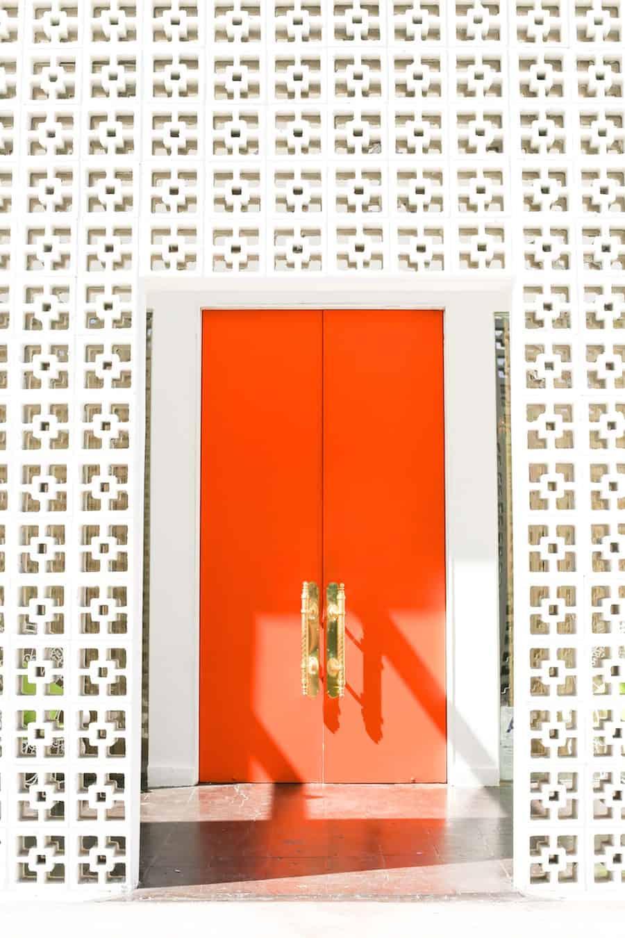 דלתות כניסה בפאלם ספרינגס