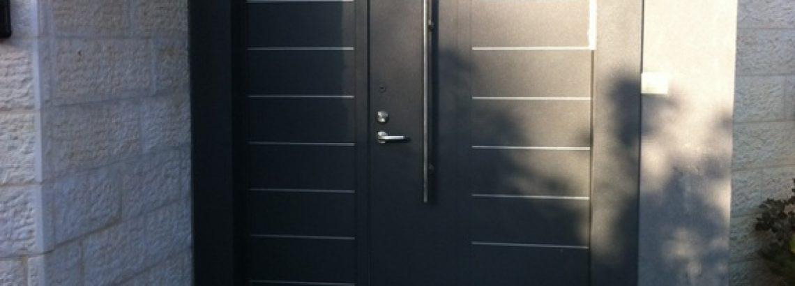 דלתות מעוצבות לבית ומנגנוני נעילה – מה חדש היום בשוק?