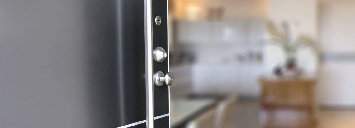 דלתות מעוצבות מול עיצוב בטוח