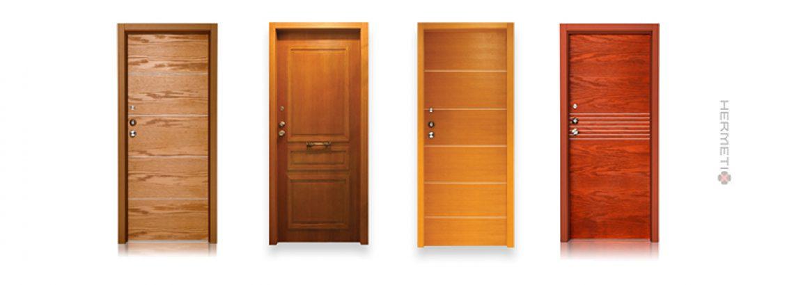 דלתות כניסה מעוצבות מעץ? סימן שיש לכם טעם טוב (או שאתם עדיין חיים בשנות ה-70, זה תלוי)