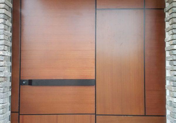 סרגלי עץ לדלת כניסה – סרגלי אלומיניום