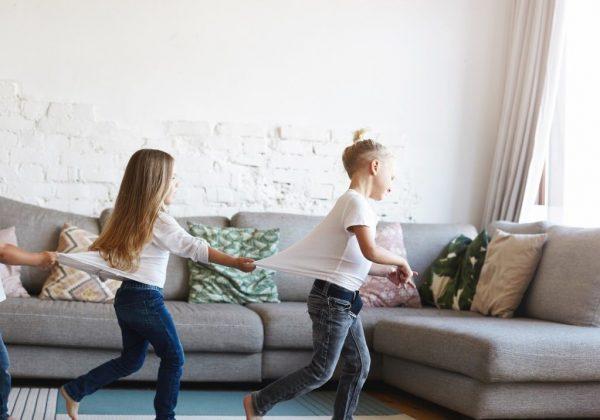 ביתכם הוא מבצרכם? הסכנה הביתית  שאורבת לילדכם בחופשת הקיץ